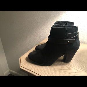 Women's size 7 med. black suede booties.